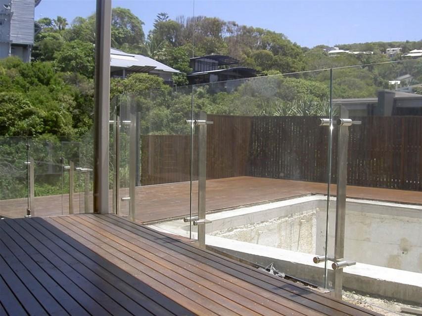 Стеклянные ограждения для балкона..